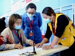 这个支部的党员午休时间做志愿者助力油城疫苗接种